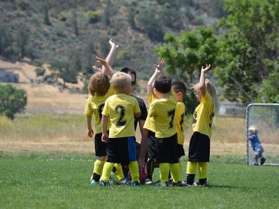 6 Top Reasons Why Team Building is Important For A Productive Workplace