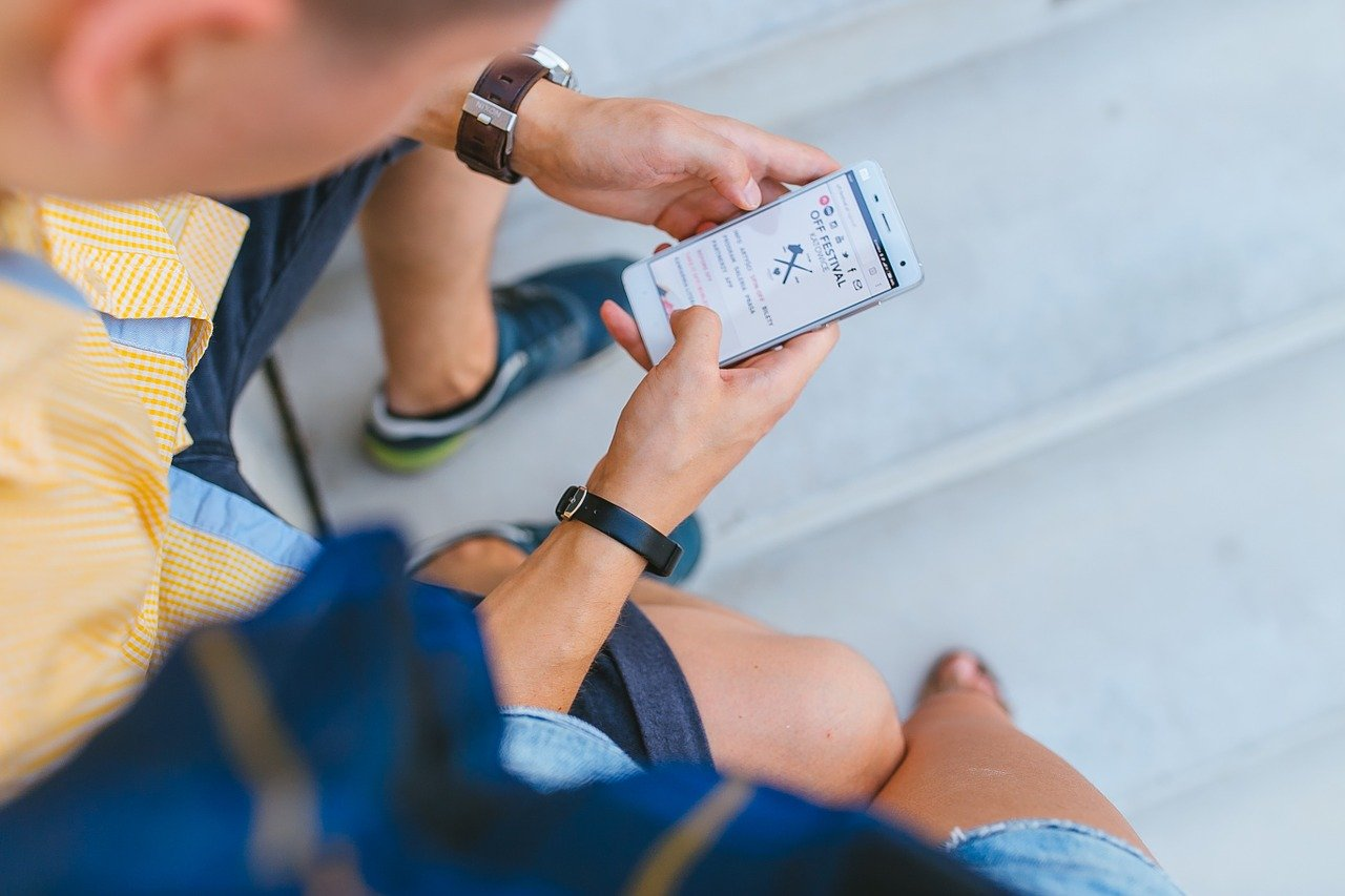8 Powerful Ways to Use SMS Marketing to Reach Customers Now