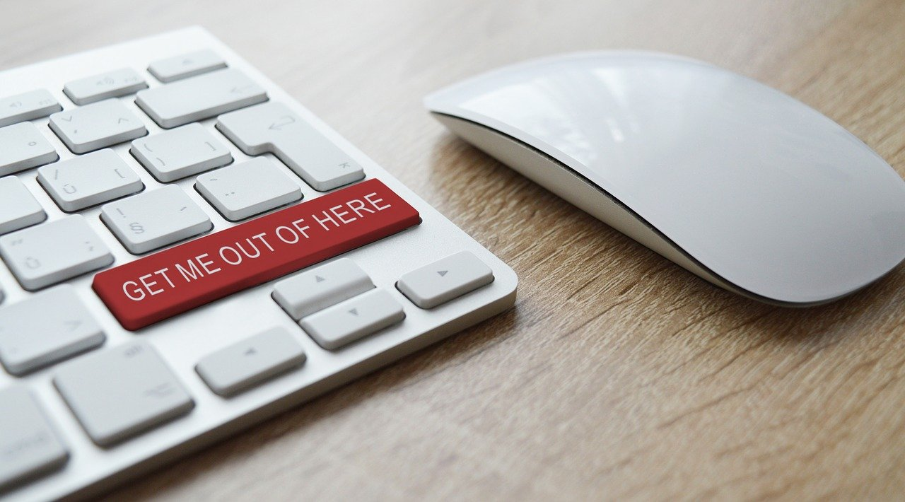 7 Online Frauds Even the Cleverest Consumers Fall for