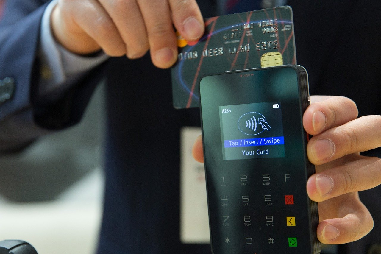 Powerful Impacts of Payments on Retail During COVID-19