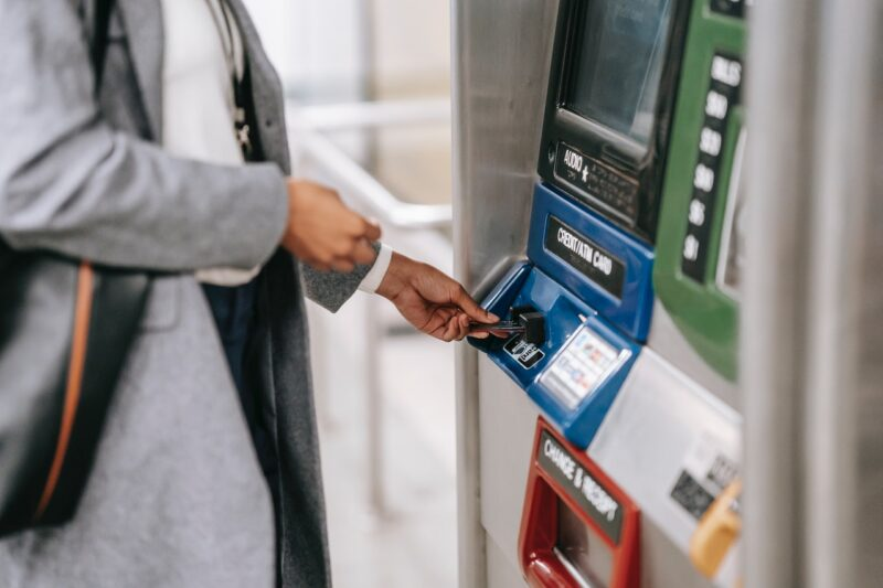 Easy Guide to POS Terminals and Credit Card Machines 101