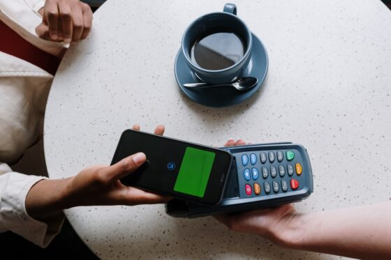 7 Easy Ways POS Systems Help Online Startups Grow Fast