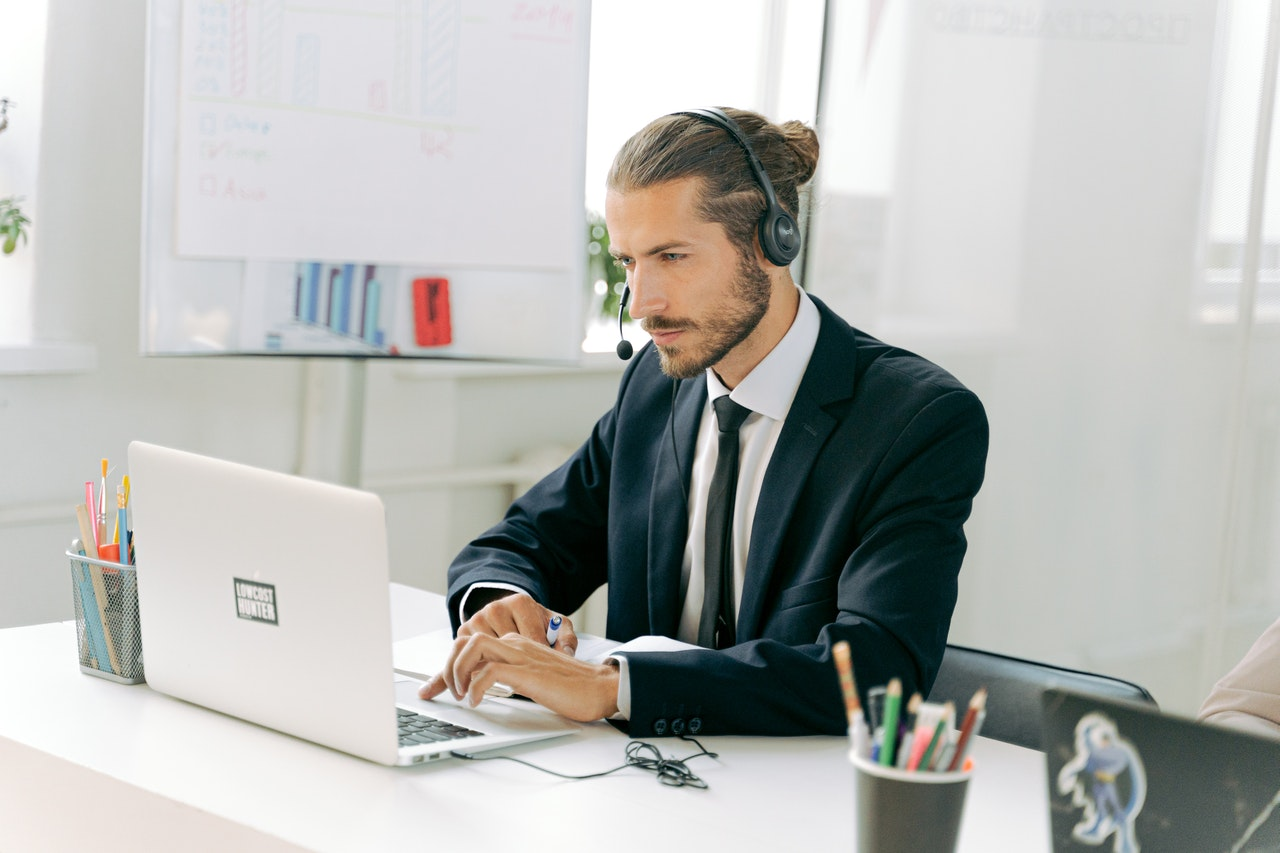 Why a Simple 24-Hour Answering Services Is Good For Business