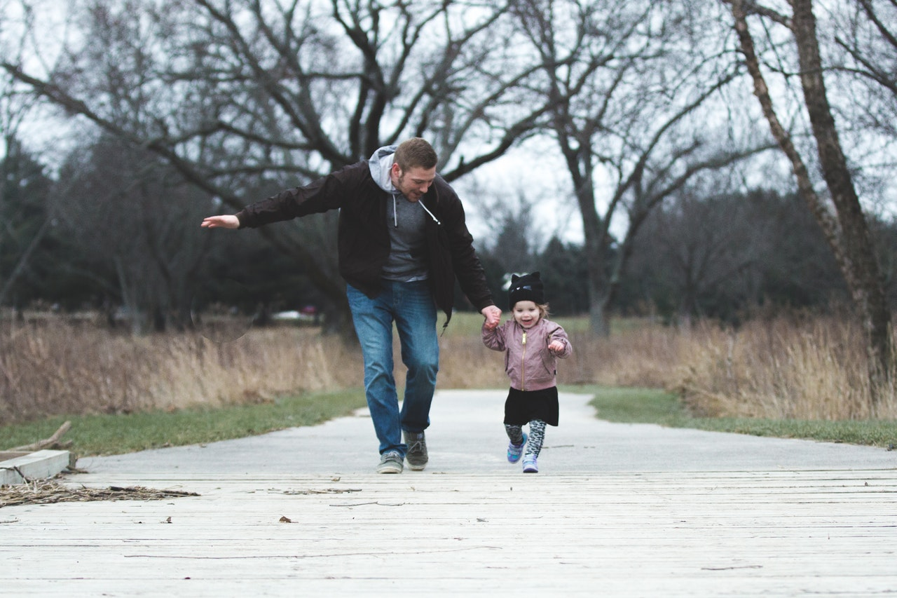 10 Easy Work-Life Balance Tips From Some Famous Dads