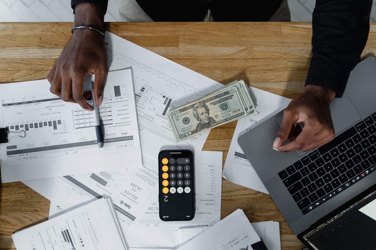 Payroll Management Outsourcing: 6 Big Aspects to Consider