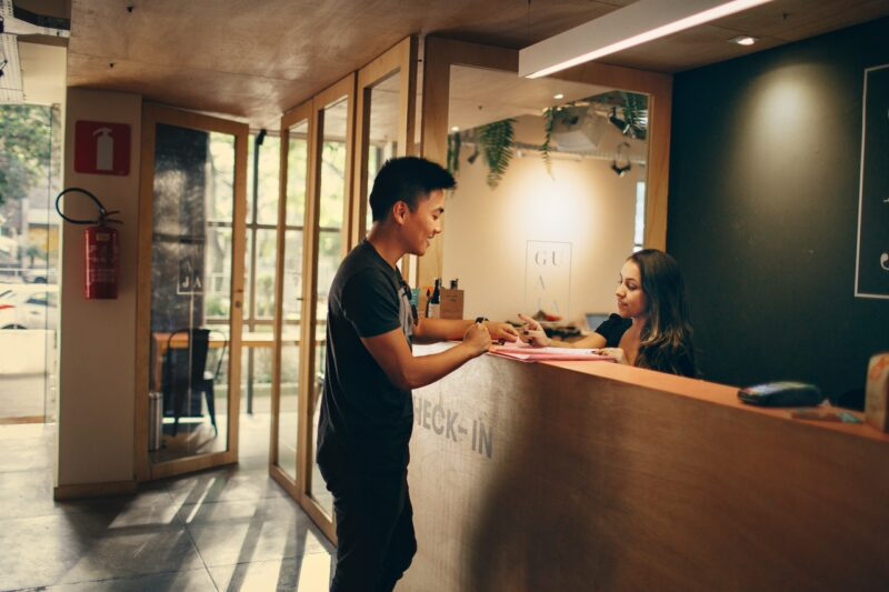 Why Are Virtual Receptionist Services So Popular in 2021?