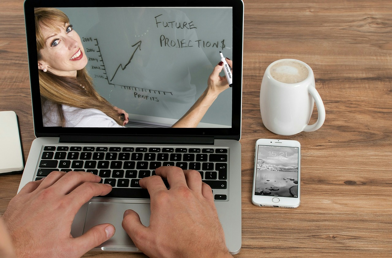 An easy way to turn your blogs to videos for free