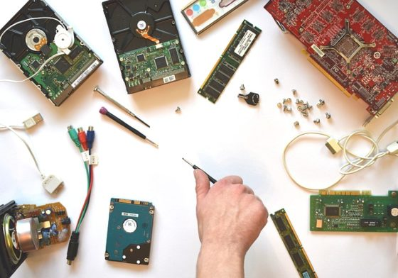 8 Tested Tips to Choose the Right Computer Repair Service Center