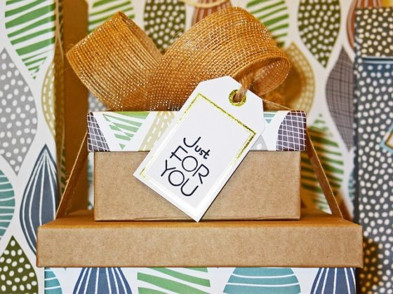 8 Unique Ways to Use Door Gifts to Improve Brand Awareness