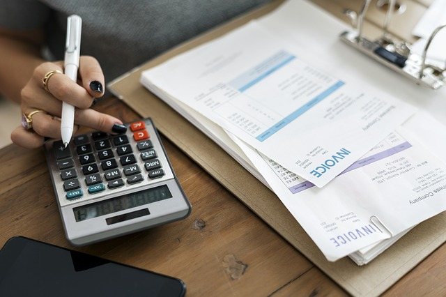 10 Smart Ways to Write A Better Invoice as a Freelancer