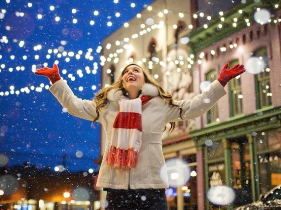 Top 12 Smart and Practical Holiday Budget Tips for 2020 and Beyond