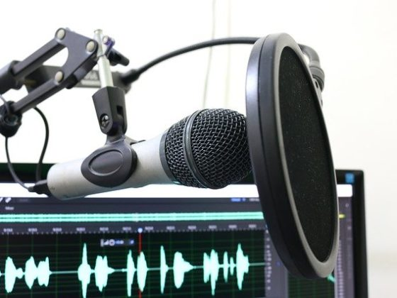 How to Start and Monetize Live Stream Podcasts