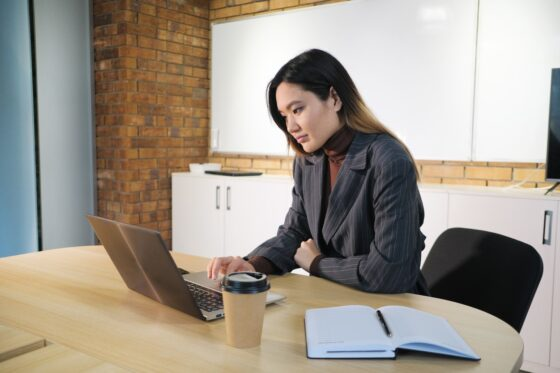 Starting A New Job? 6 Better Tips To Move Up Quickly Now