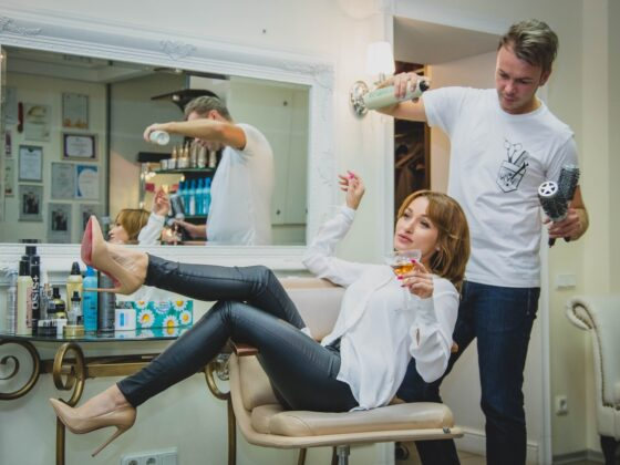 Automate Beauty Salon Management: 7 Must-have Features