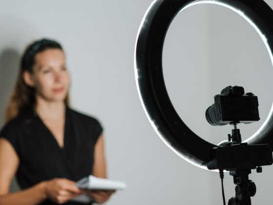 Creating Marketing Videos: 16 Easy Tips to Go Viral Online